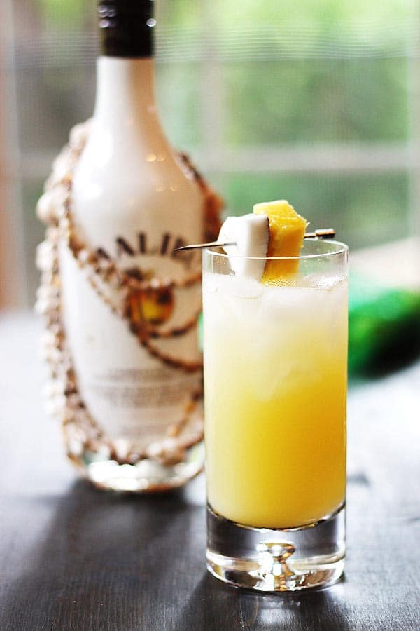Coconut pineapple rum drinks for Best mix drink ever