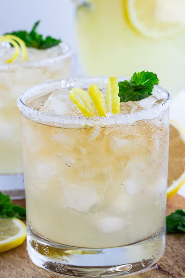 close up of the whiskey lemonade that looks so refreshing!