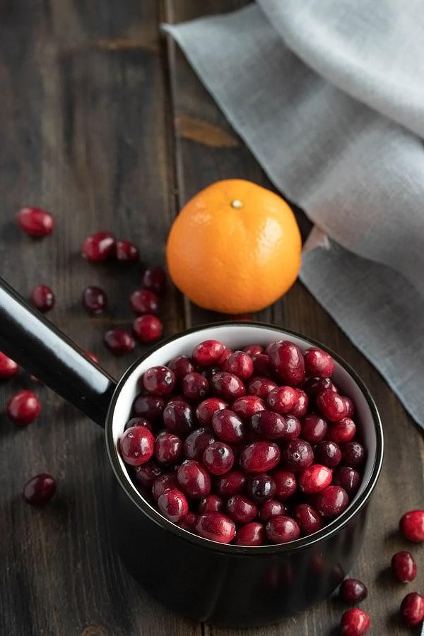a small pot of fresh cranberries