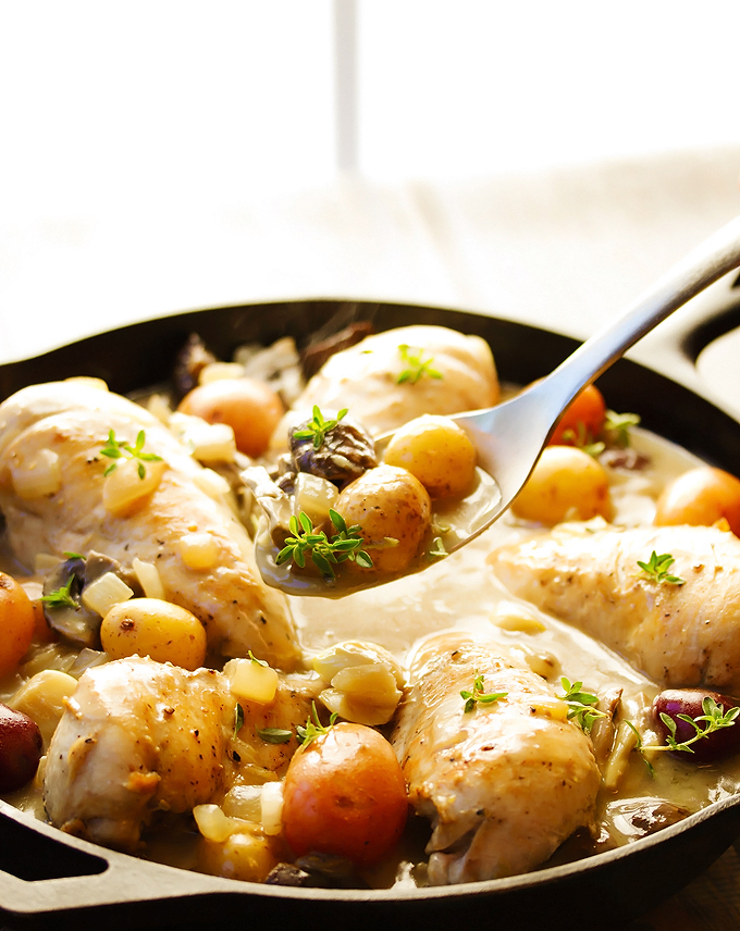 Bone-In Chicken & Potatoes in Wine Sauce