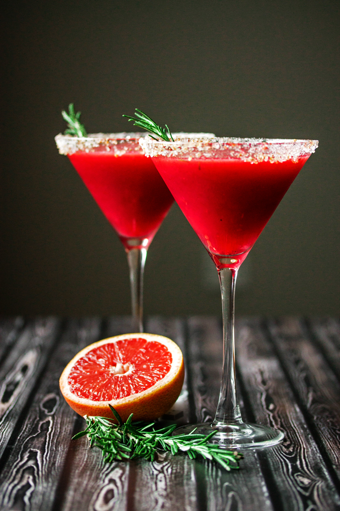 Raspberry grapefruit rosemary martini with ginger for Cocktail martini